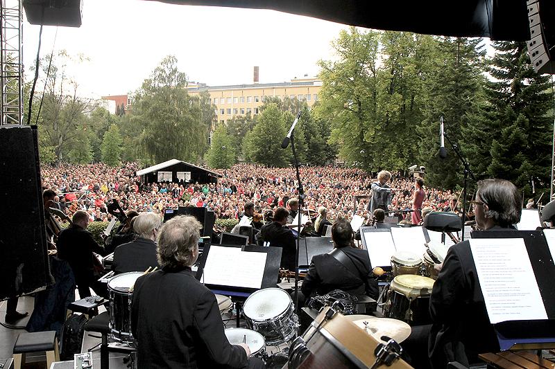 Tampereen Sähkölaitos - Sorsapuiston konsertti tarjoaa juhlavuotemme yleisöelämyksen